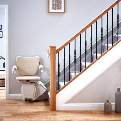 Photo de monte-escalier droit intérieur Handicare