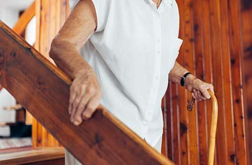 Aménagement du logement d'une personne âgée pour le maintien à domicile
