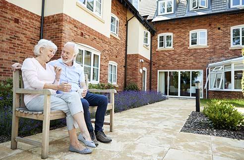 Comment s'inscrire en maison de retraite ?