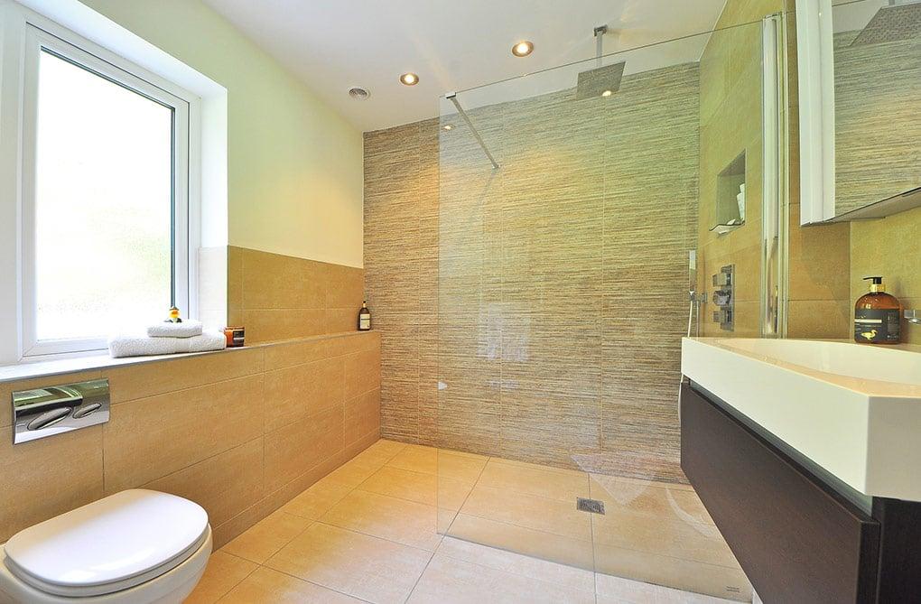 action logement aide financière pour remplacer sa baignoire par une douche