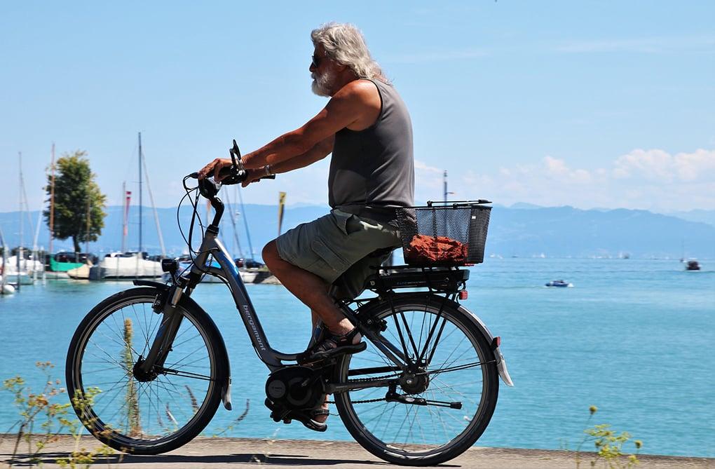 Vélo à Assistance Electrique et senior